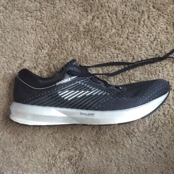 brooks levitate 1